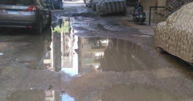 مياه الصرف الصحى تغرق شارع عمرو محمود بطريق المنشية فى الجيزة