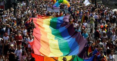 صور.. آلاف المثليين يتظاهرون فى التشيك للمطالبة بحقوقهم