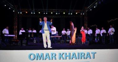 عمر خيرت يتألق بأشهر مقطوعاته الموسيقية فى حفل بالساحل الشمالى