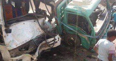 إصابة 4 أشخاص فى حادث تصادم بين سيارة نقل وآخرى بطريق ميت غمر الزقازيق