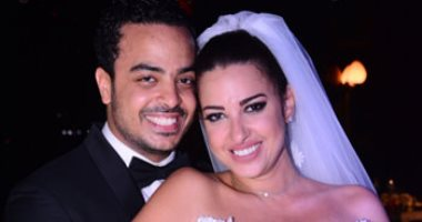 """Dress of the predecessor and """"kiss"""" in the way of Sherine Abdel Wahab .. The scenes of the wedding of Miss Egypt"""