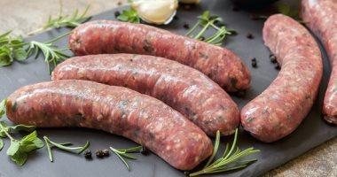الصحة: توجد علاقة بين سرطان المعدة وبعض الأغذية المدخنة واللحوم المملحة