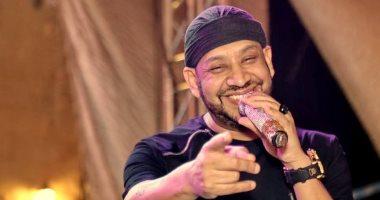 عصام كاريكا يقدم زينة الداودية للجمهور المصرى