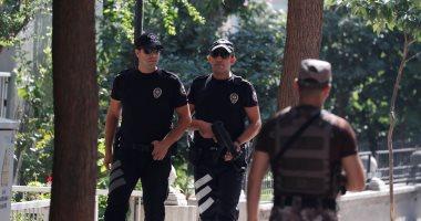 الشرطة التركية أمام منزل القس الأمريكى