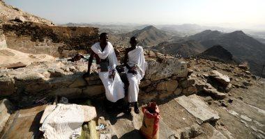 صور حجاج بيت الله الحرام يتوافدون على جبل النور شمال شرق المسجد الحرام