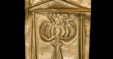 رقائق ذهبية فى التابوت