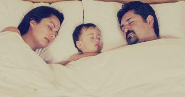 كيف يؤثر طفلك الأول على الحياة الزوجية؟.. 46% من الآباء تأثرت علاقتهم سلبا