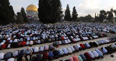 قوات الاحتلال الإسرائيلي تقتحم المسجد الأقصى وتخرج المعتكفين