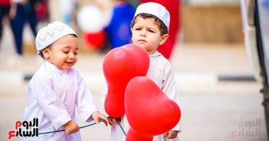 تخمة وكسل.. مشكلات يتعرض لها الأطفال فى العيد