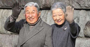 الحب على طريقة الحكام.. إمبراطور اليابان وزوجته يزوران مكان لقائهما الأول