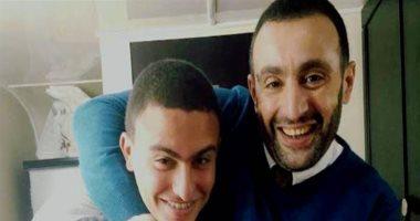 نجل أحمد السقا يعانى من أزمة نفسية.. ويشكر والدته لمساندتها له