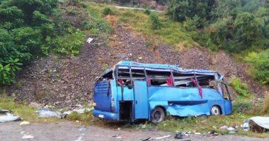 مصرع 12 شخصا إثر سقوط حافلة فى واد شمال باكستان