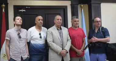 محافظ البحر الأحمر يؤكد لممثلى وكالات الأنباء الأجنبية ارتفاع حالة الأمن بالمحافظة