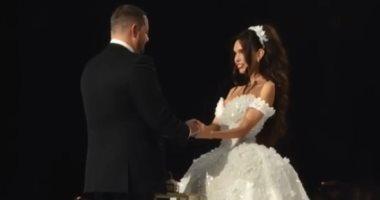 عروسة محظوظة حفل زفاف أسطورى بخاتم ألماس 70 قيراط سعره 8 ملايين دولار