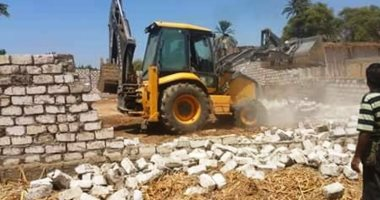 إزالة 15 حالة تعدى على النيل وأملاك الدولة بسوهاج
