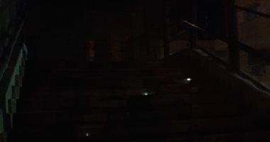 انقطاع الكهرباء بشارع الروضة بمنطقة الكنوز فى قنا يزعج الأهالى