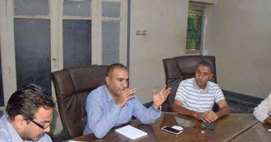 رئيس مركز أبوقرقاص بالمنيا يناقش نسب تنفيذ المشروعات الخدمية
