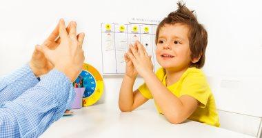 لو عندك طفل توحدى.. إزاى تخليه يفهم توجيهاتك؟