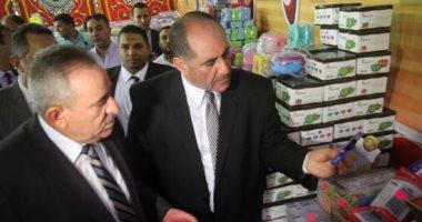 مساعد وزير الداخلية يتفقد معرض لمواجهة غلاء الأدوات المدرسية برمسيس