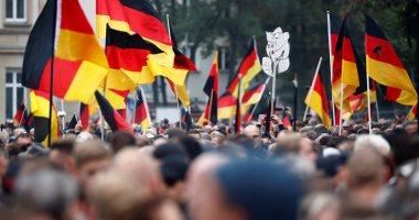حبس متظاهر ألمانى 5 أشهر لتأديته التحية النازية المحظورة