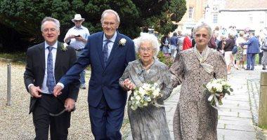 حكاية أكبر عروسين فى بريطانيا العروسة 92 سنة والعريس 91