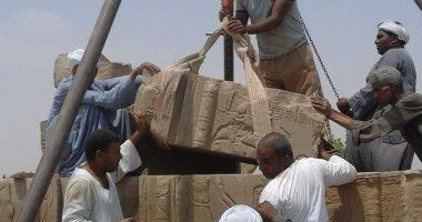 """صور.. إعادة تركيب كتلة حجرية داخل بيت الولادة """"الماميزى"""" بآثار كوم أمبو"""