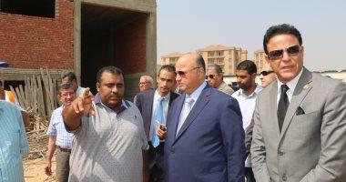 نائب محافظ القاهرة يتفقد العقار المنهار ويؤكد توفير سكن بديل للمتضررين