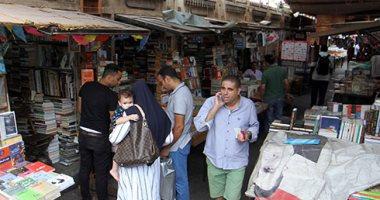 سور الأزبكية على طريقة معرض القاهرة.. المعرض الموازى يبدأ قبل موعده بأسبوع