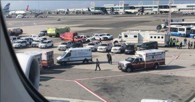 صور.. إصابة 100 راكب بوعكة صحية على رحلة لطيران الإمارات من دبى إلى نيويورك