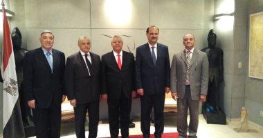 رئيس الدستورية العليا يعود للقاهرة بعد مشاركته باحتفال محكمة كوريا الجنوبية