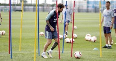 فيديو.. ميسي يشارك فى تدريبات برشلونة مع لاعبى الرديف