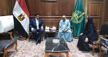محافظ القليوبية يلتقى أسرة الشهيد محمود عبد العظيم