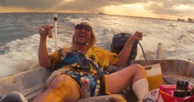 للكبار فقط.. تريلر وبوستر جديدان لفيلم The Beach Bum