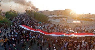 """""""البصرة تشتعل"""".. المحتجون يحرقون مقر قنصلية إيران وفرض حظر التجوال"""