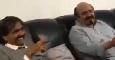 """شاهد.. حمد بن خليفة يعلن أنه لا يخاف من زوجته """"موزة"""""""