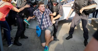 صور.. الشرطة الروسية تقمع مظاهرات معارضة لقانون سن التقاعد
