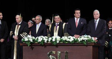 جامعة سيناء تحتفل بتخريج دفعة جديدة بحضور حسن راتب ووزير التعليم العالى