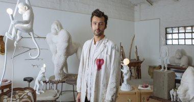 """ديكور وإضاءة مع بعض.. """"مارك"""" فنان إيطالى يستخدم الحيوانات للإنارة"""