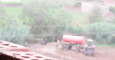قارئ يرصد التخلص من مياه الصرف الصحى بترعة كفر الحما فى المنوفية