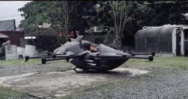 مخترع فلبينى يطور سيارة طائرة يذهب بها إلى عمله بعيدا عن الزحام