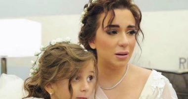 تعرف على سبب تأثر ابنة شريف منير فى حفل الزفاف