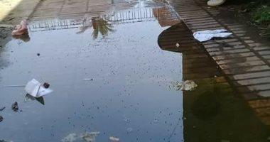 مكتب شهر عقارى أجا غارق فى مياه الصرف.. والمواطنون: لا يصلح لاستقبال الأهالى