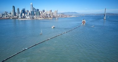 باحثون يطورون نظاما ذكيا لإزالة 88 ألف طن بلاستيك من المحيط الهادئ