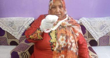 فيديو وصور.. مأساة عاملة بالشرقية أصيبت ببتر بأصابعها أثناء العمل بشركة ملابس