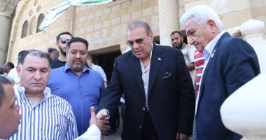 تشييع جنازة شقيقة حسن راتب بمشاركة رجال أعمال وإعلاميين