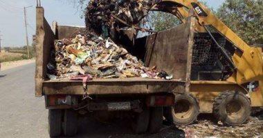 رفع 2000 طن مخلفات وقمامه متراكمة منذ 7 سنوات بشارع 25 فى شبرا الخيمة
