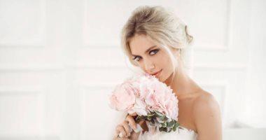 الشبكة راحت عليها والورد مسيطر موضة إكسسوارات العروسة 2018