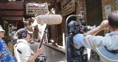 وفد بريطانى ينتهى من تصوير فيلم وثائقى عن النيل بأسوان.. صور
