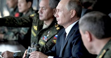 بوتين يتفقد أكبر مناورات حربية روسية منذ سقوط الاتحاد السوفيتى