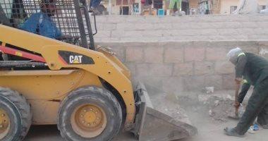 مجلس مدينة الأقصر يرفع 12 طن قمامة ومخلفات فى حملة نظافة